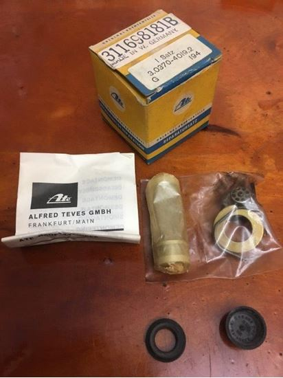 Picture of Brake Master Cylinder Rebuild Kit